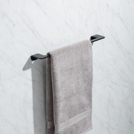 toalheiro 45 tatay onyx preto 1 - Aurymat